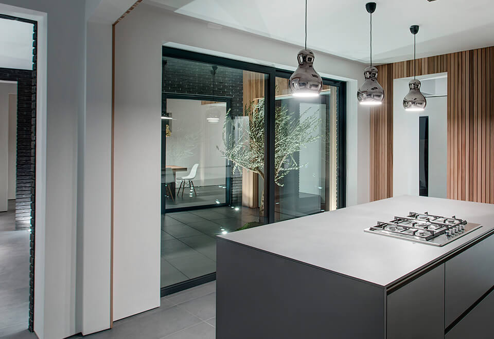 Interior view of an aluminium lift and slide door